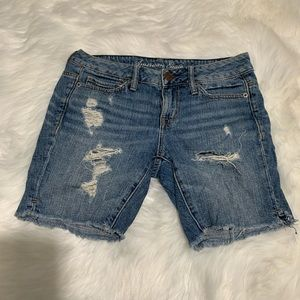 American eagle distressed shorts size 00